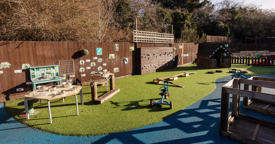 Busy Bees at Northampton, Spinney Hill gallery photo 7