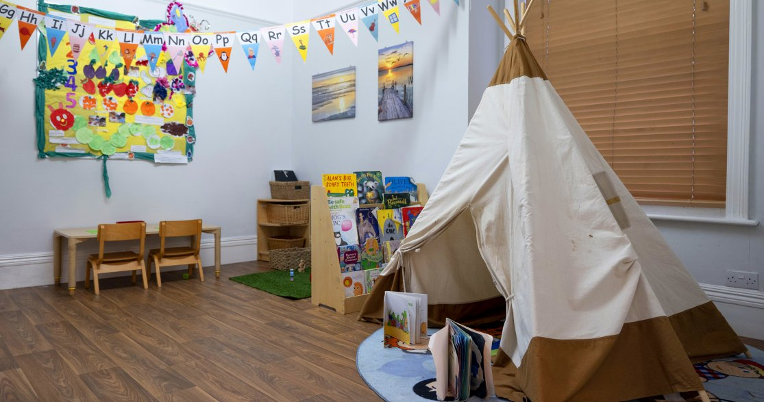 Busy Bees at London Mottingham gallery photo 7