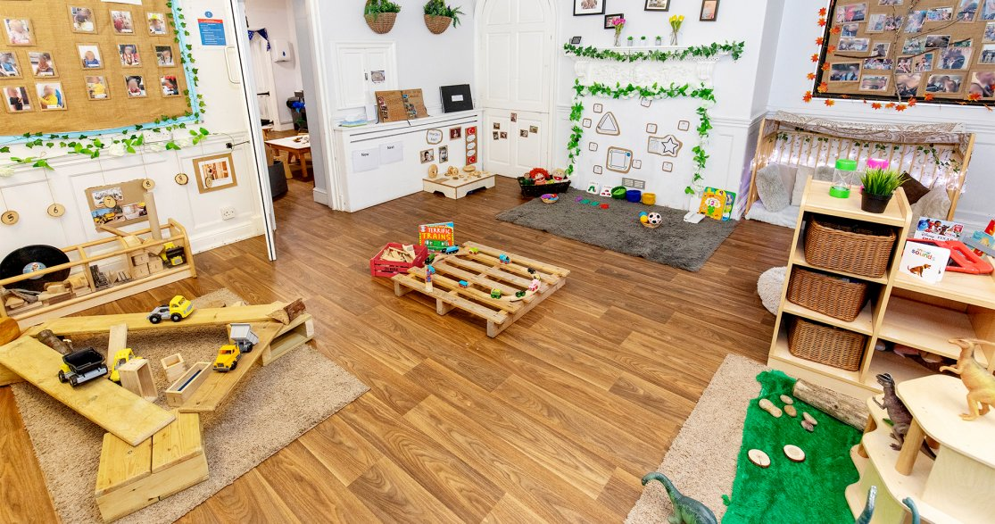 York House Day Nursery Salisbury gallery photo 2